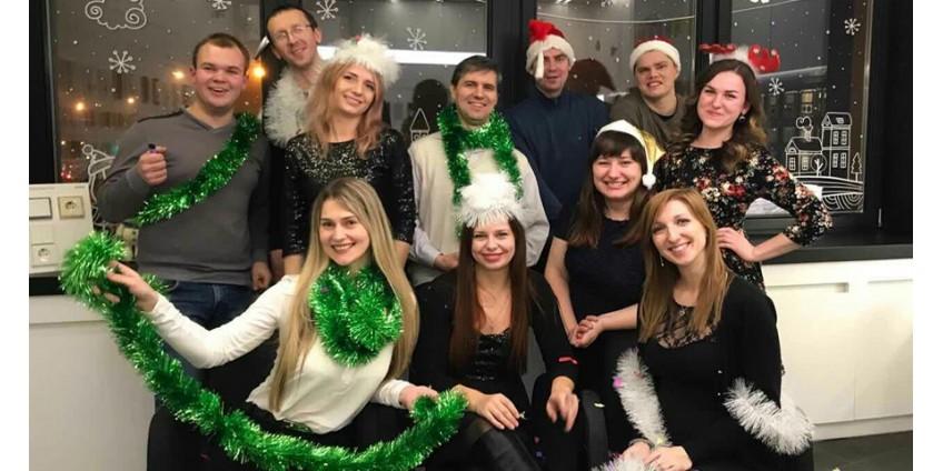 С Новым годом и Рождеством 2018 поздравляет компания Gira!